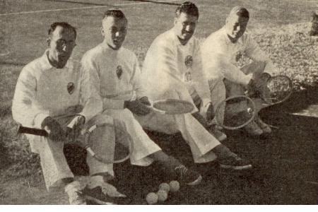 """Año 1921 - Equipo """"A"""" de 4ta División. De izquierda a derecha: P. Fernández; L. Lanouguere; J. Gonzalez Gálvez; E. Gandiani."""